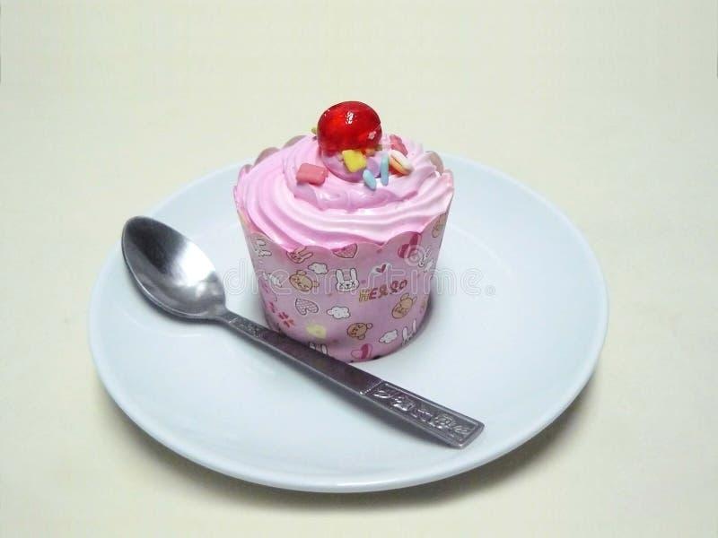 Пирожное принцессы Розов стоковое изображение rf