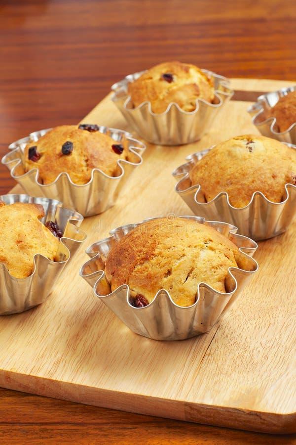 Пирожные выпечки в корзинах стоковая фотография