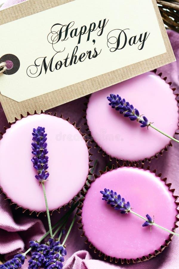 Пирожные Дня матери стоковые фотографии rf