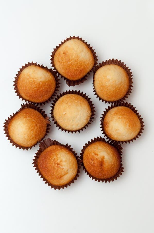 Пирожные при завалка плодоовощ изолированная на белизне стоковая фотография rf