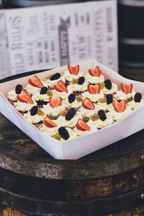 Пирожные с плодами стоковое фото rf