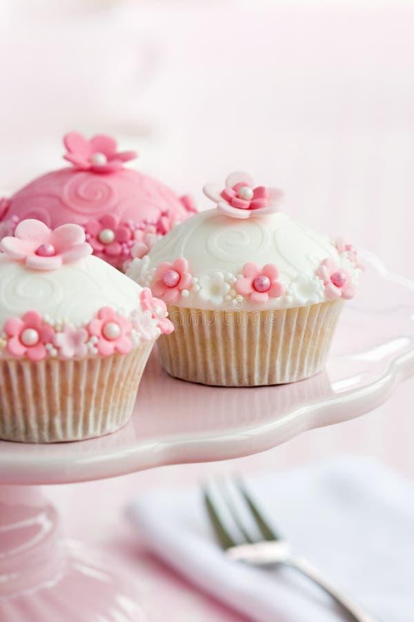 пирожня cakestand стоковые изображения rf