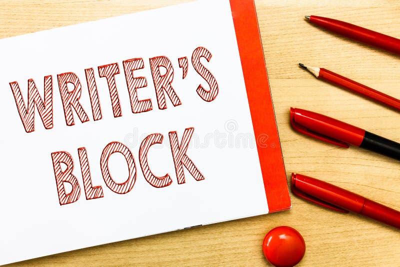 Писатель s сочинительства текста почерка блок Условие смысла концепции быть неспособный думать чего написать стоковое изображение
