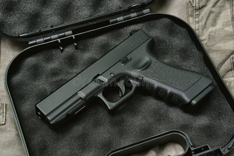 Пистолет 9mm, серия оружия оружия, личное огнестрельное оружие полиции стоковые фото