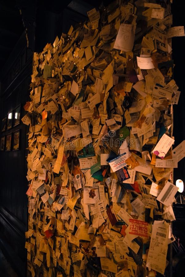 Письма на стене стоковое фото rf