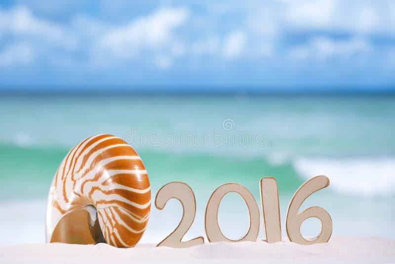 письма 2016 номеров с seashell, океаном, пляжем и seascape стоковые фото