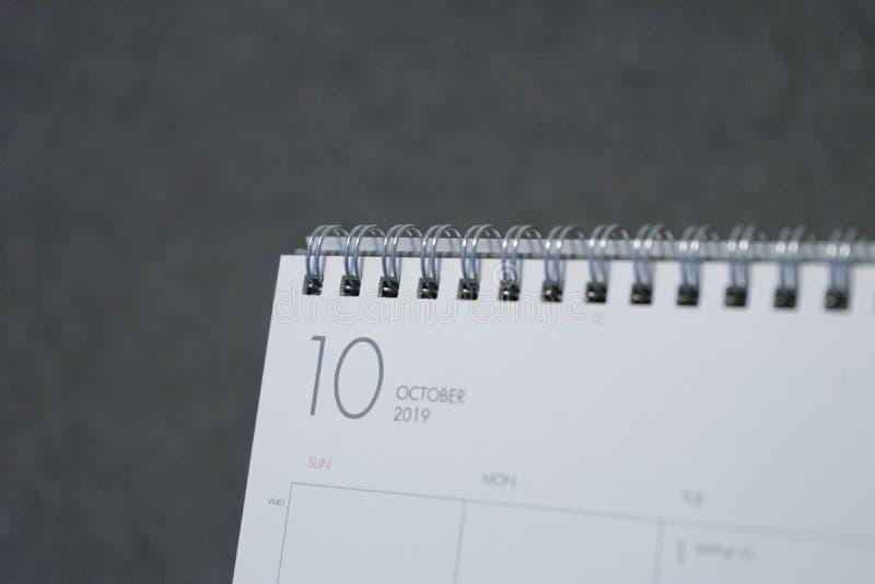 Письмо октябрь на календаре 2019 стоковые фото