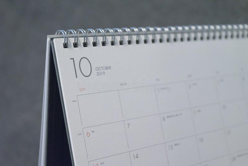 Письмо октябрь на календаре 2019 стоковая фотография