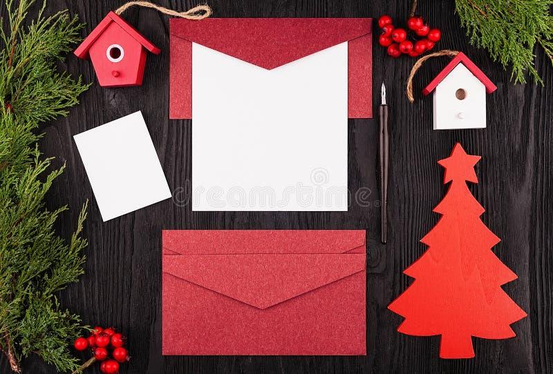 Письмо рождества, открытка над взглядом стоковое фото