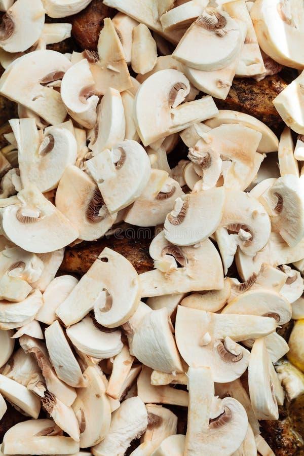 Питание Зажаренное в духовке мясо цыпленк цыпленка с грибами стоковые фото