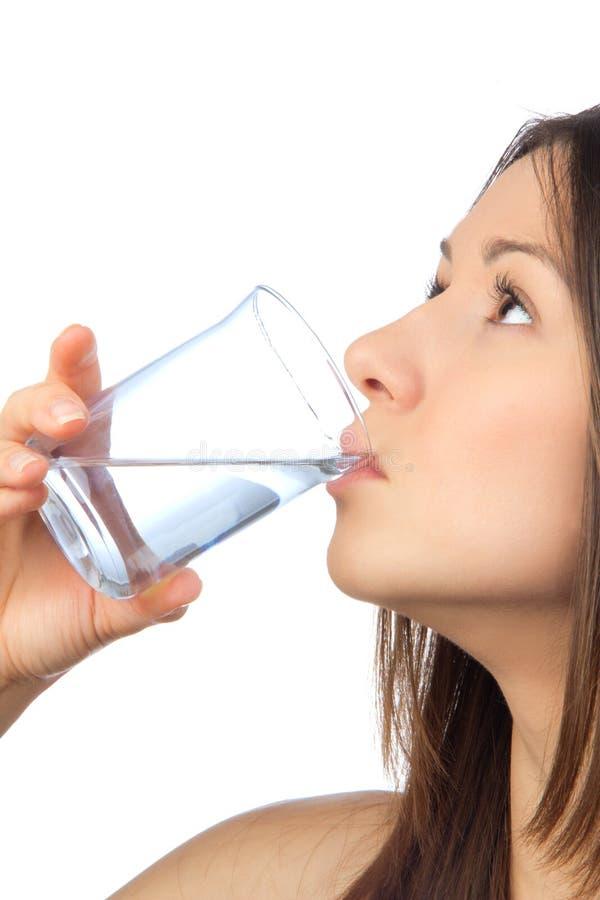 Питьевая вода женщины стоковая фотография