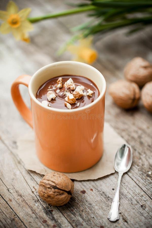 Питье какао сделанное из молока кокоса стоковое фото rf
