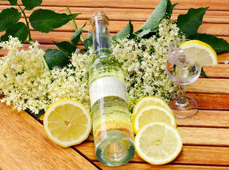 Питье Elderflower стоковая фотография