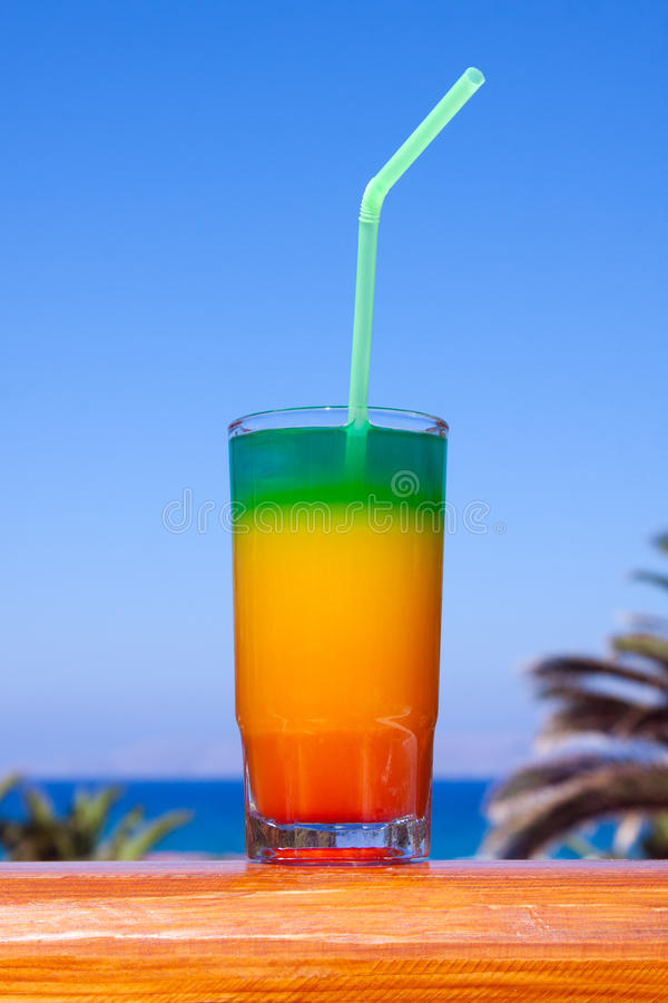 пить пляжа стоковые фото