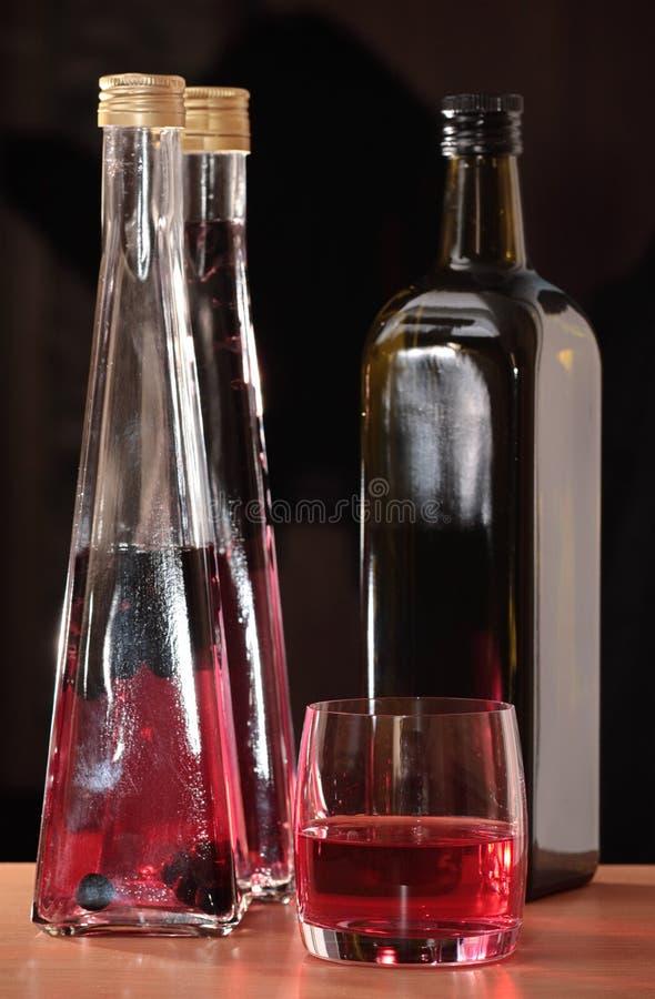 Download пить стоковое фото. изображение насчитывающей стекло, жидкость - 6860608