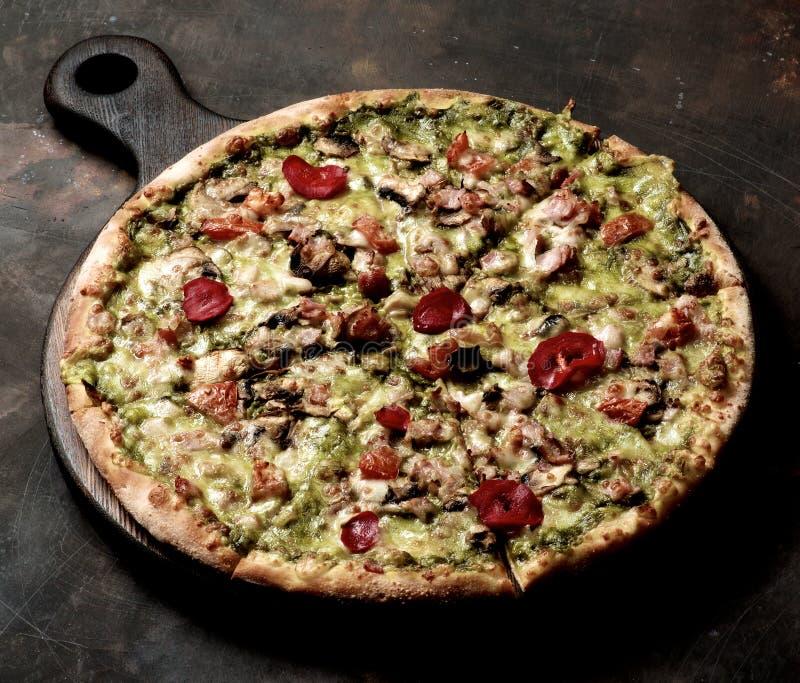 Пицца Альфредо бекона стоковое фото