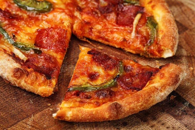Download Пицца стоковое изображение. изображение насчитывающей здорово - 37925291