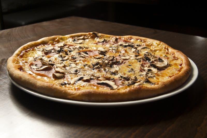 Пицца Capricciosa стоковая фотография rf