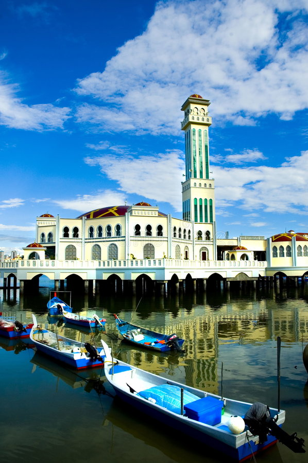 плавая мечеть стоковое изображение rf