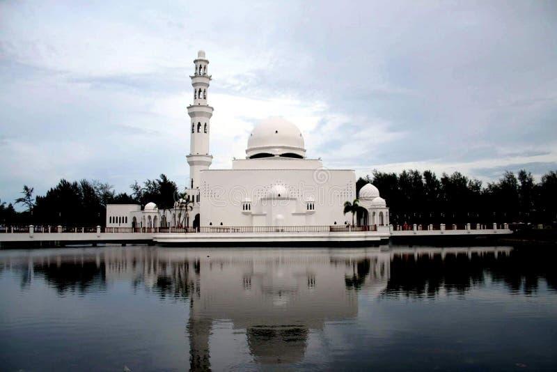 плавая мечеть стоковое изображение