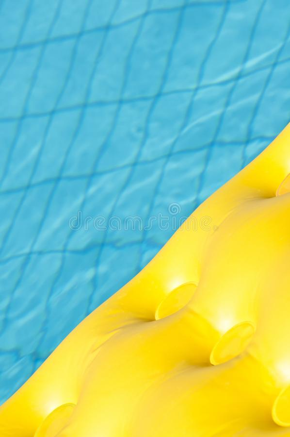 Плавая неудача в бассейне стоковая фотография rf