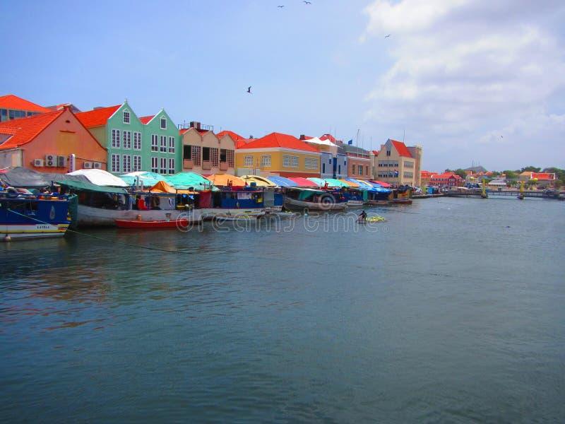 Плавая рынок городской Curacao стоковые фотографии rf