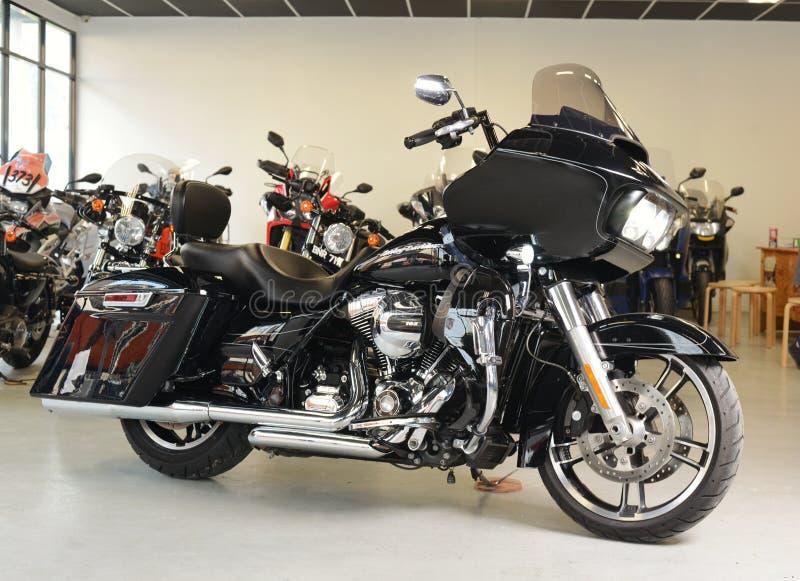 Плавное движение 2015 дороги Harley Davidson мотоциклов стоковое фото rf