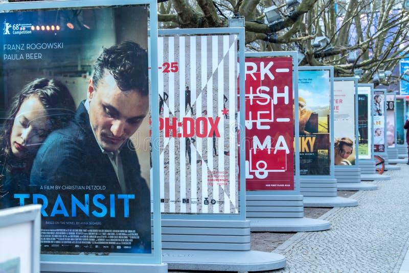 Плакаты рекламируя предстоящие фильмы во время Berlinale 2018 стоковые изображения rf