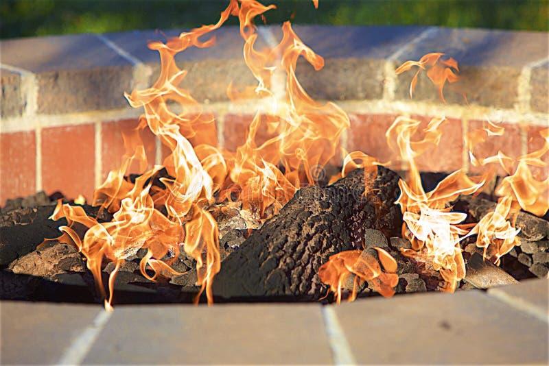 Пламена танцев стоковые фотографии rf