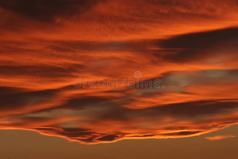 пламенистое небо стоковое изображение