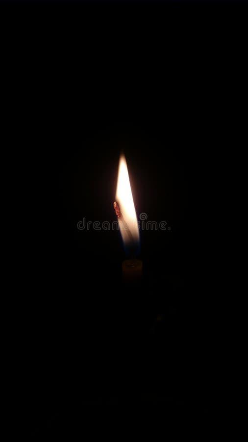 Пламя в ноче стоковое изображение rf