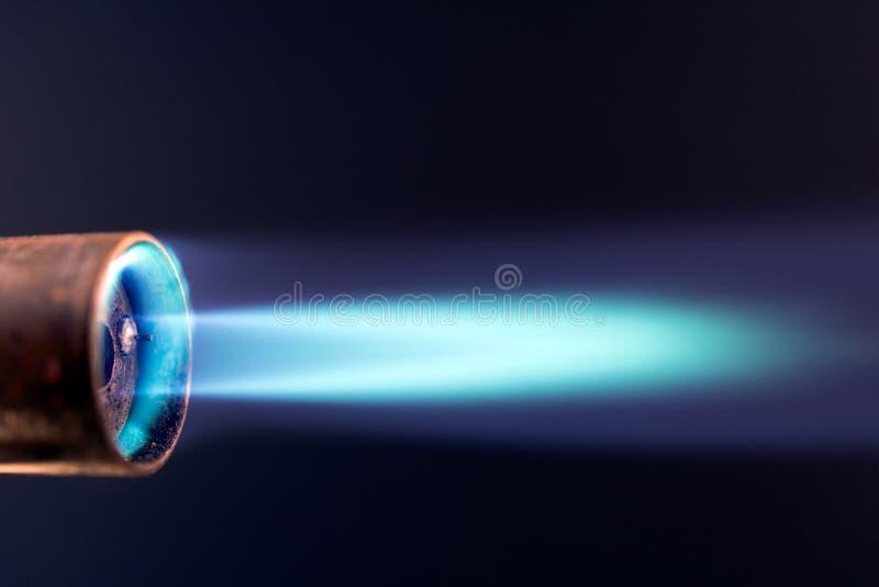 Пламя факела газа голубое стоковое изображение rf