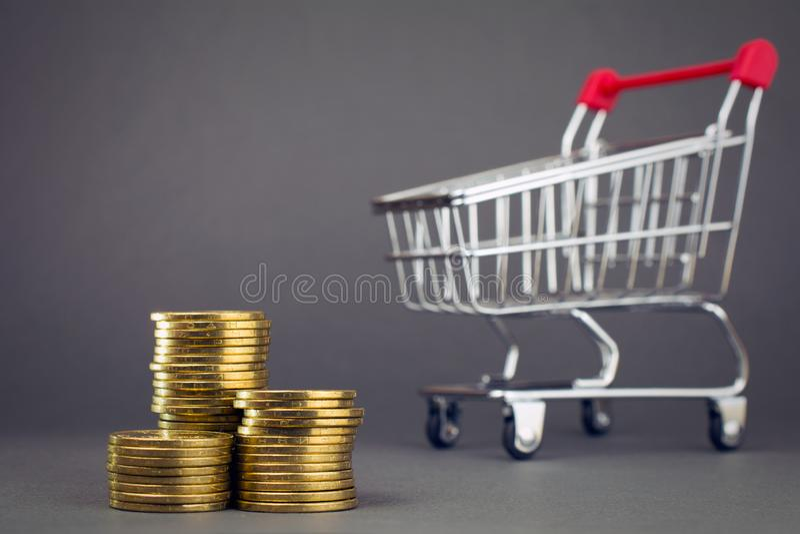 Планировать еды планируя сбережения на приобретениях стоковая фотография rf