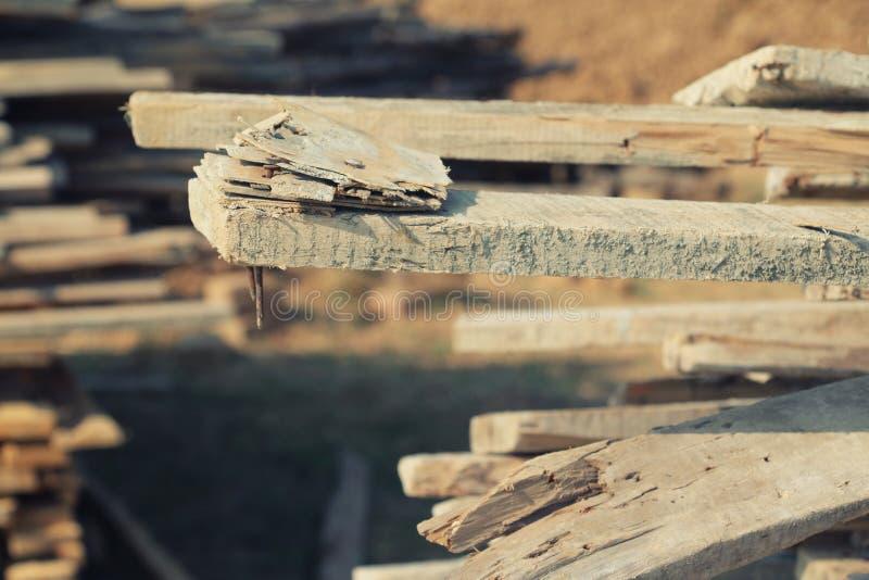 Планки pf кучи на строительной площадке стоковая фотография