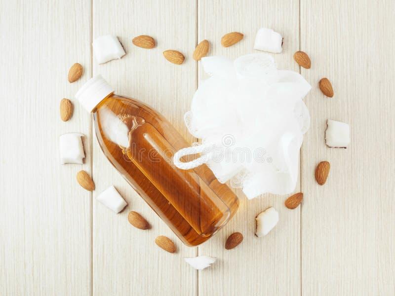 Пластиковая губка ливня бутылки и сетки, mindal, кокос стоковое фото
