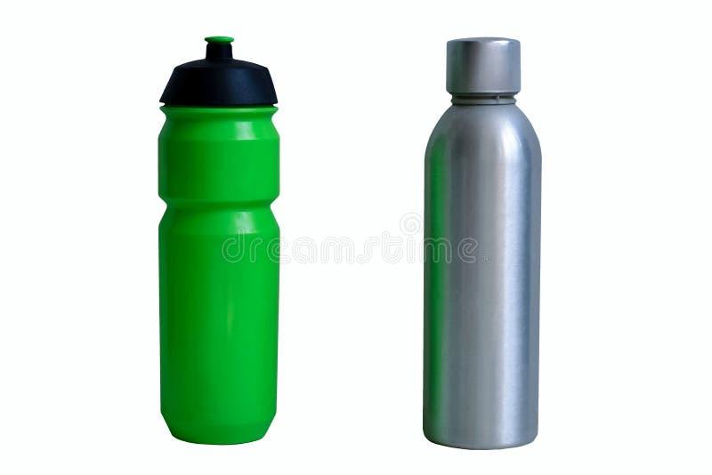 Пластиковая и алюминиевая бутылка, как его нул альтернатив отхода, для напитка и воды, пластмасса участка-вне, причиняя загрязнен стоковое фото