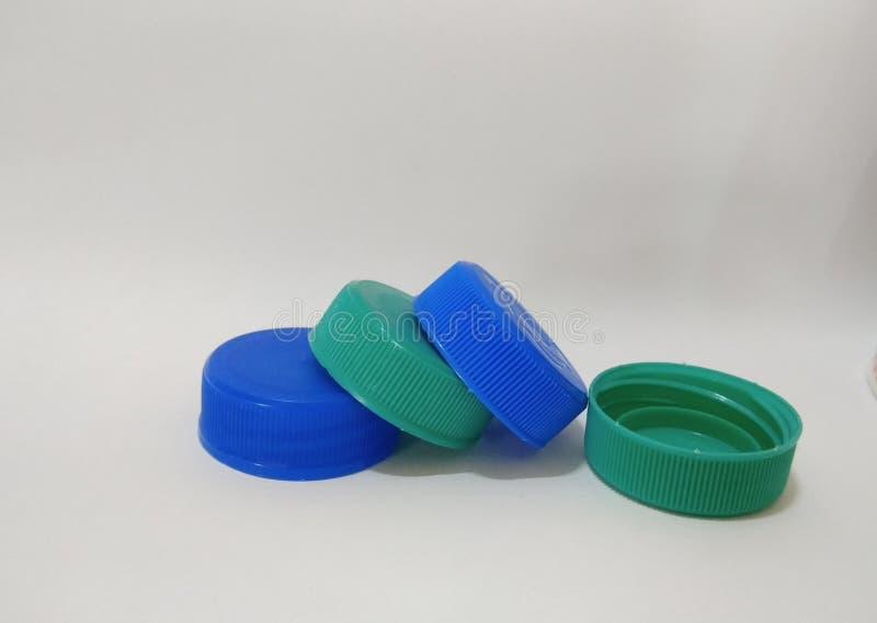 Пластиковая минеральная крышка бутылки стоковая фотография rf