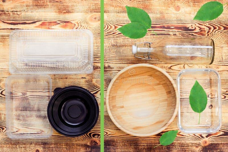 Пластиковые и естественные блюда стоковое фото