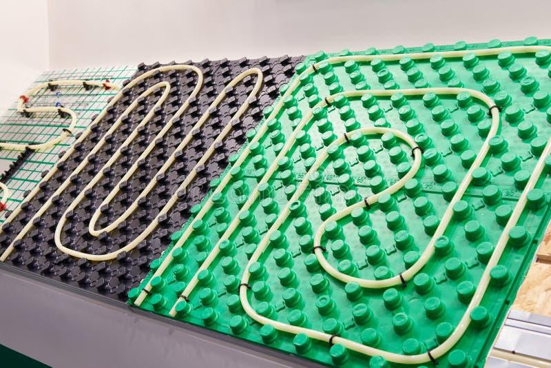 Пластичное основание для отопления под полом стоковое фото rf