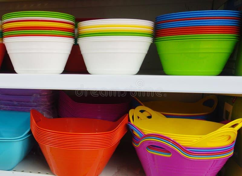 Пластичные плиты в магазине стоковое фото rf