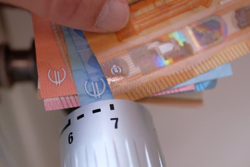 Плата за услуги с термостатическим клапаном стоковое фото rf