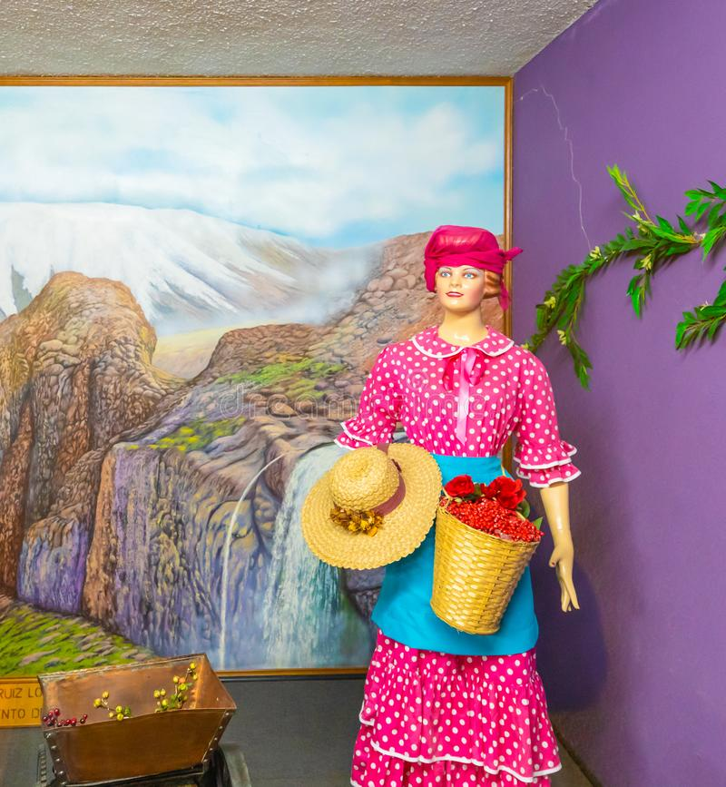 Платье горы женщины парка Богота Jaime Duque традиционное колумбийское стоковое изображение rf