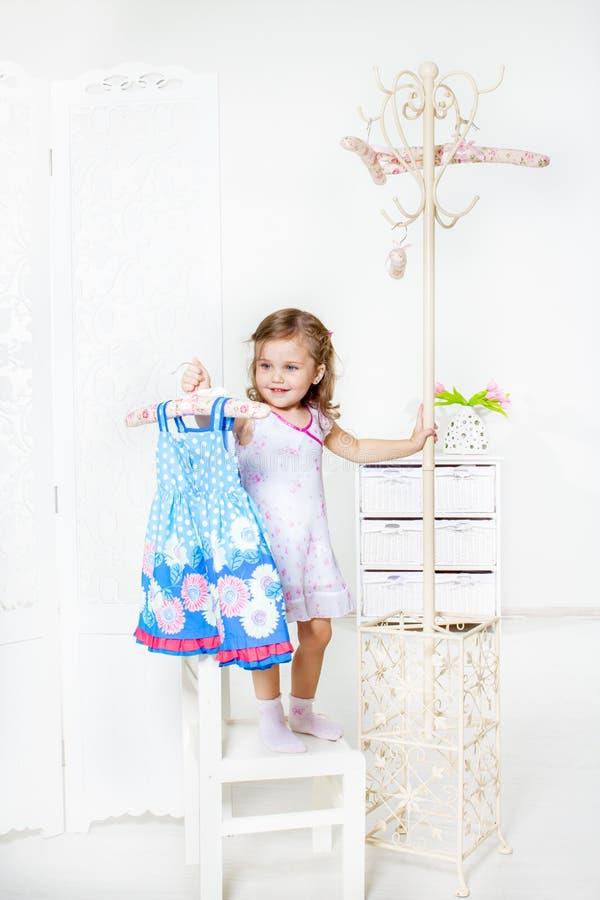 Платье на вешалке пальто Стоковая Фотография RF