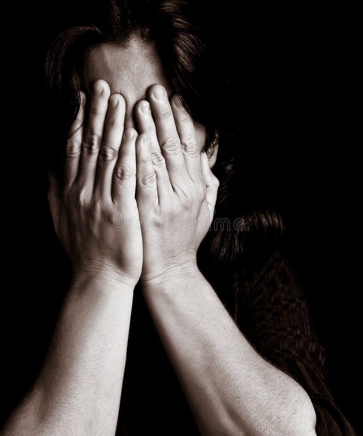 плача детеныши женщины стоковое изображение