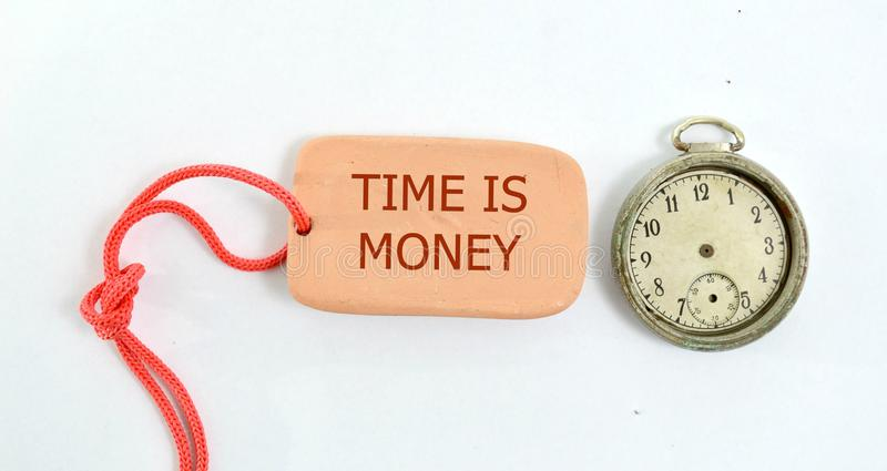 плита глины и часы года сбора винограда с временем текста деньги стоковые изображения rf