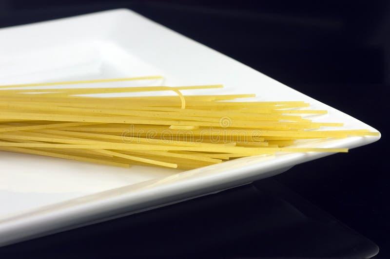 плита макаронных изделия стоковое изображение rf