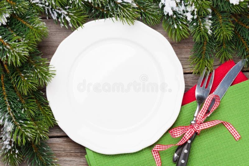 Плита рождественского ужина, silverware, ель стоковые изображения rf