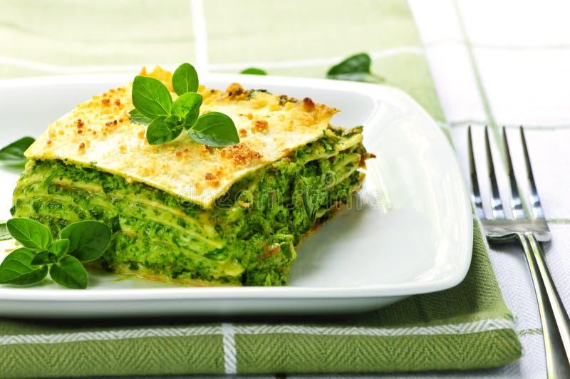 плита lasagna vegeterian стоковое изображение rf
