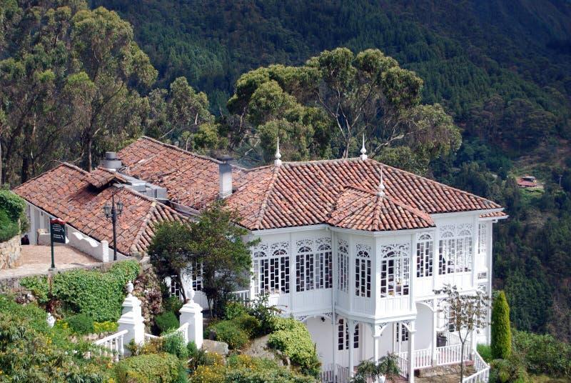 плитка крыши huse красная стоковое фото rf