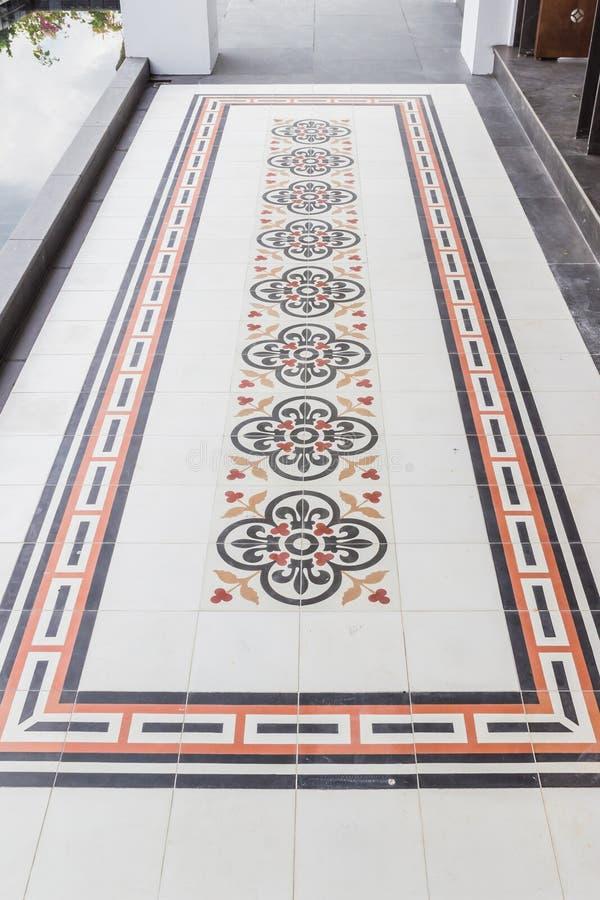 Плитки пола старого стиля китайско-португальского здания стиля стоковая фотография